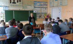 Уроки гражданственности «Терроризм неимеет границ» в Кезской школе