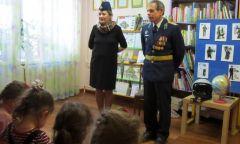 «Есть такая профессия – Родину защищать!»: встреча с капитаном ВВС Н. Н. Зимовым