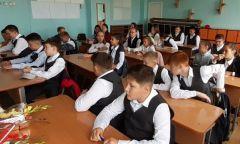 Классный час «Здоровье – путь к успеху» длякезских школьников