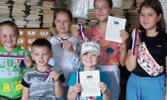 Акция Кезской библиотеки к Дню флага Российской Федерации