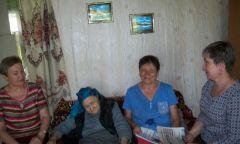 Посещение сотрудниками библиотеки иволонтерами пожилых людей на дому