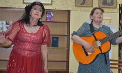 Юмористический концерт в Дебёсской библиотеке