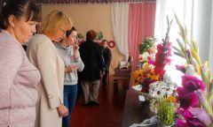 Конкурс цветов «Мир цветочных фантазий» вУвинской районной библиотеке